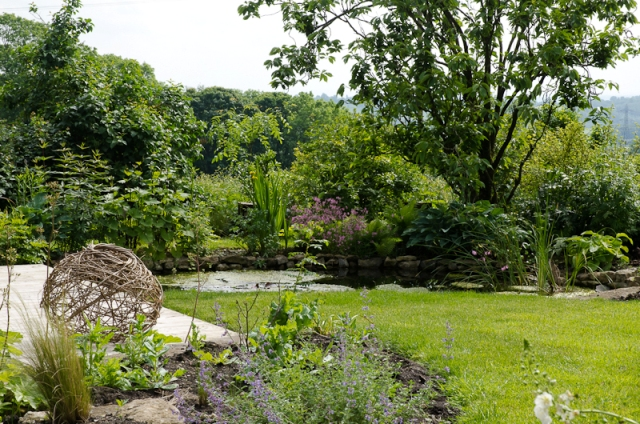 Informal garden angela morley garden design for Informal garden designs